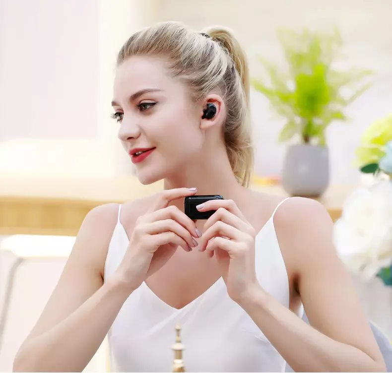 Remax TWS 5 Wireless Bluetooth Earphone